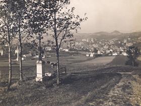 Historická fotografie kříže