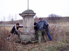 Reparatur des Kreuzes, 23.11.2003
