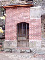 Kaplička na jižním konci osady - 19.11.2005