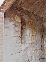 Boční stěna s výklenkem, 18.4.2004