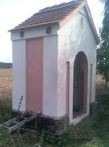 Kaplička u cesty do České Lípy - podzim 2012