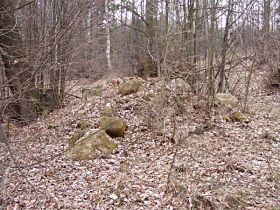 Zbytky zničené kapličky, 1.4.2004