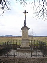 Kříž na východním okraji osady - jaro 2009