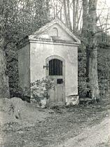 původní stav kapličky, květen 1982
