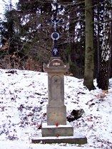 Kreuz an der Strasse unter dem Berg Kalvárie - Dezember 2007