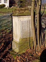 Sokl kříže před opravou, 16.1.2005