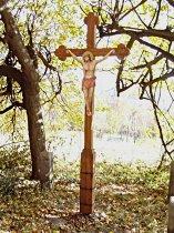 Dřevěný kříž nad Trávníkem - září 2006
