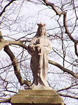 Soška Panny Marie na vrcholui sloupu, 3.4.2005
