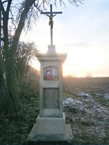 Kříž u silnice do Kruhu - 8.12.2016