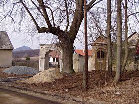 kaplička před opravou, 6.3.2003