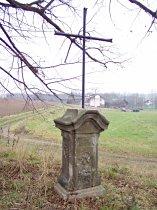 Kříž pod lipou na jižním okraji obce - říjen 2006