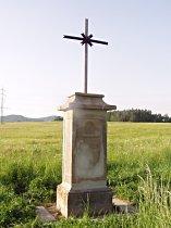 Kříž u silnice do Stružnice - květen 2007
