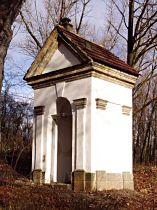 Kaplička nad Dvorskými kameny - 7.11.2004