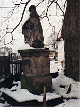 Statue vor der Reparatur