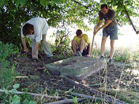 Vyrovnávání fundamentu - 9.8.2003