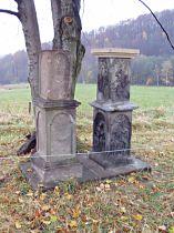 Kamenné sloupy po opravě - 5.11.2005