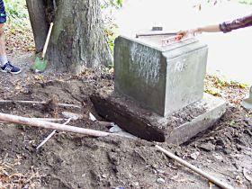Reparatur des Kreuzes, 3.8.2003