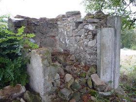 Stav kaple před opravou.