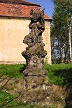 Statue vor der Reparatur, 2008