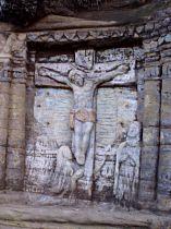 Relief der Kreuzigung im Dorf - September 2006