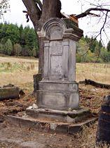 sokl kříže před opravou, 13.9.2003