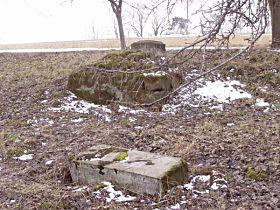 rozvalený kříž před opravou, 28.2.2004