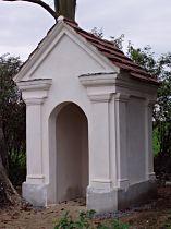 Kaplička v poli za obcí - 29.9.2005