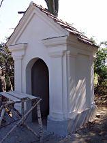 Kaplička v průběhu opravy, 6.9.2005