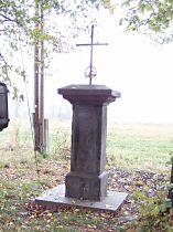Kreuz am oberen Ende des Dorfes - 8.10.2004